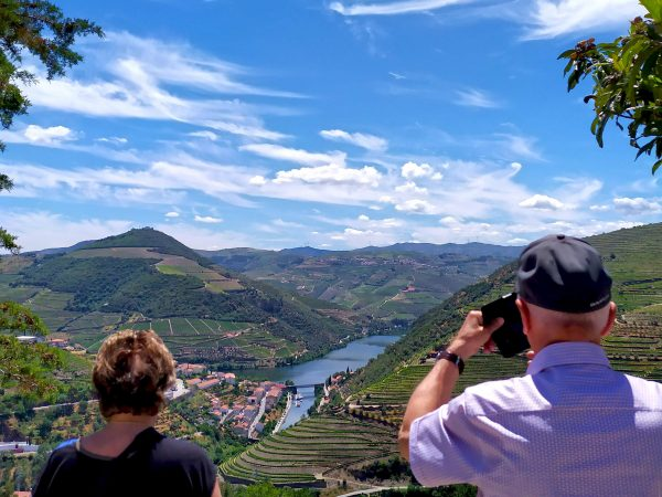 douro valley wine tour viewpoint bl heritage tours
